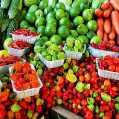 Why Farmer's Markets May Be the Better Option for Food Shopping This Flu Season