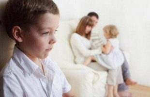 SIBLING JEALOUSY: WHAT TO DO? |5 PRO TIPS