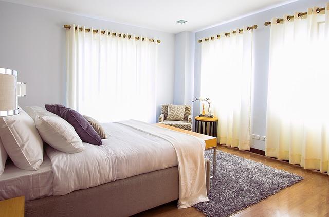 summer bedroom décor tips