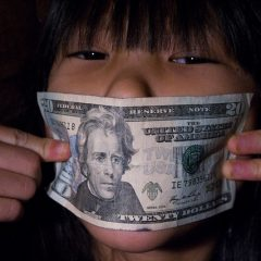 10 Easy Ways to Teach Your Kids About Money