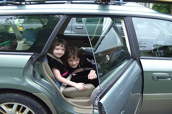 kids behaviour in car