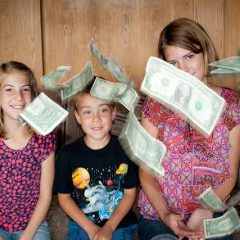 Talking to Your Kids About Saving Money Teaches Lifelong Habits