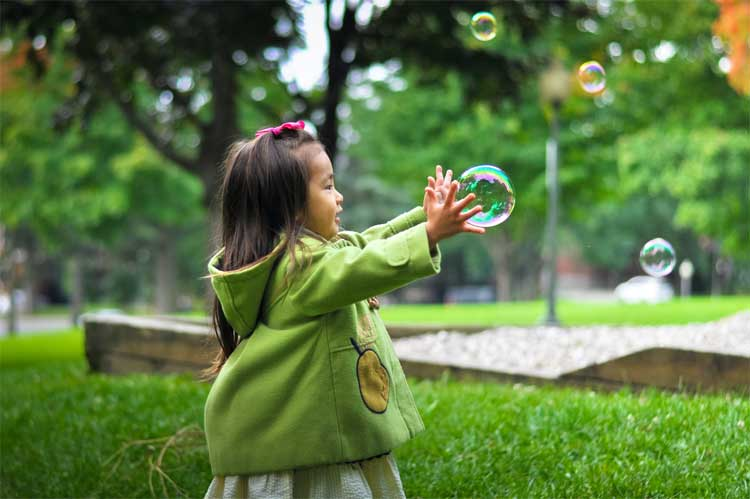 kids-need-to-play-outside-this-summer