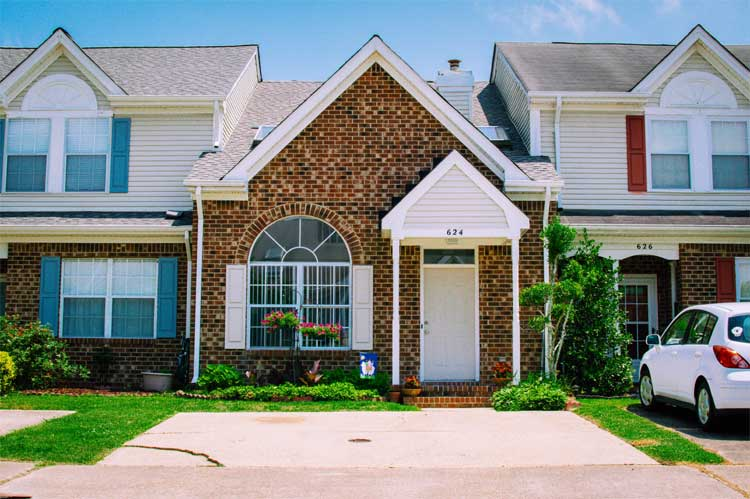 moms-should-consider-before-buying-house