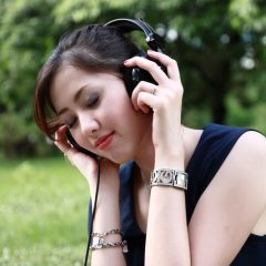 Tunes to De-Stress: How Moms Can Use Music to Relax